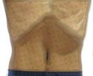 sichtbares Dreieck vom Brustkorb mit eingezogenem Bauch